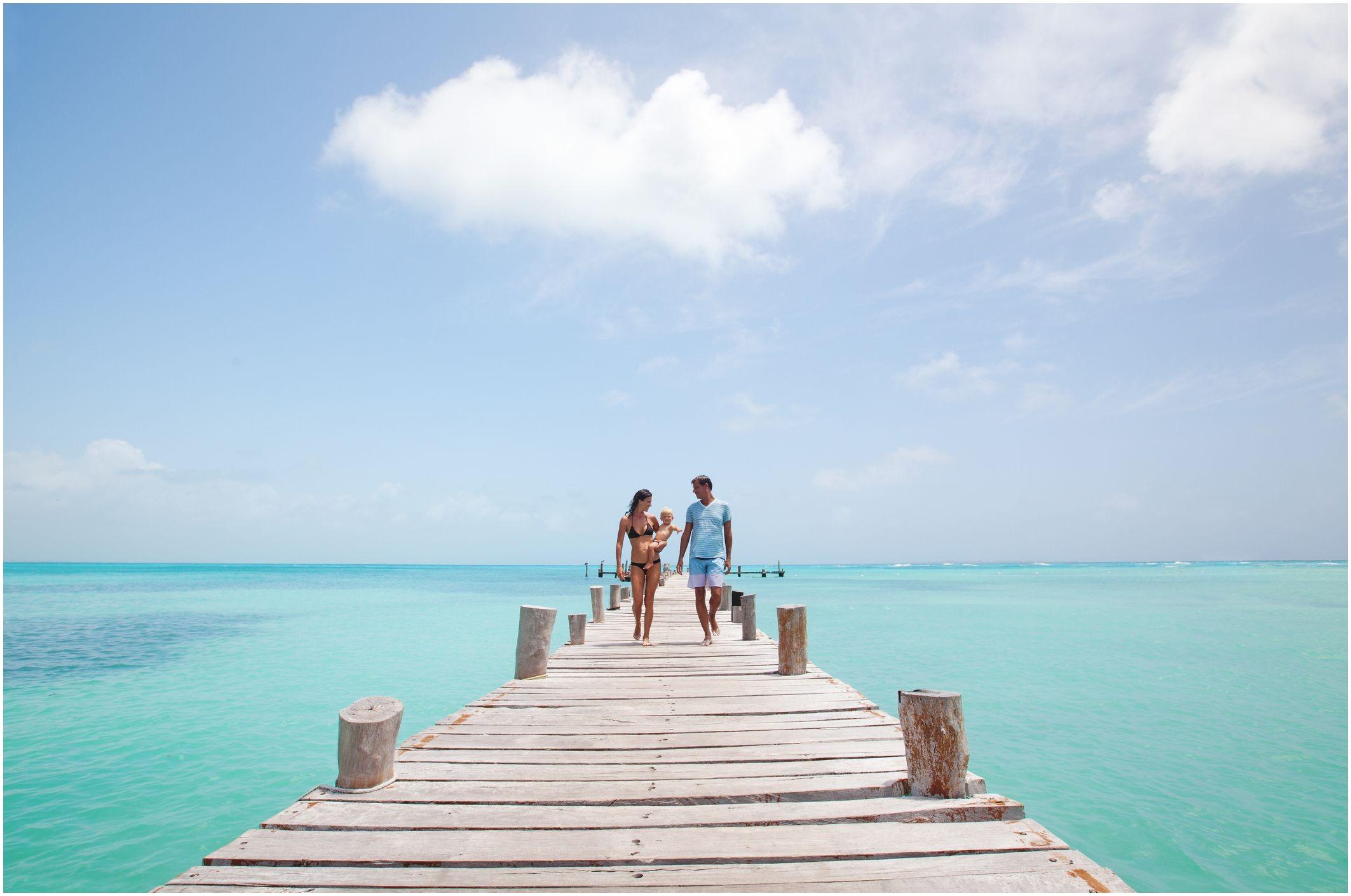 cancun family boardwalk 5c e46e0fb db3e