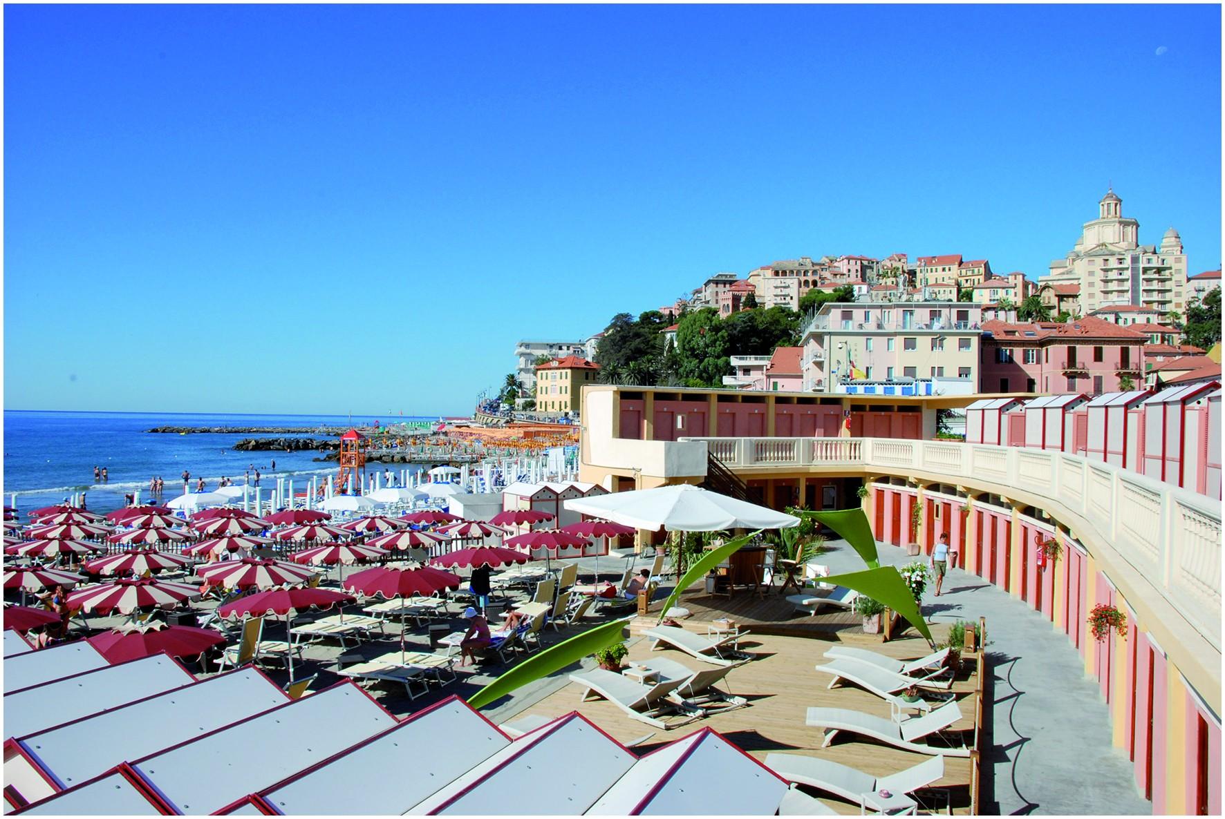 The Spiaggia d Oro The Golden Beach of Imperia