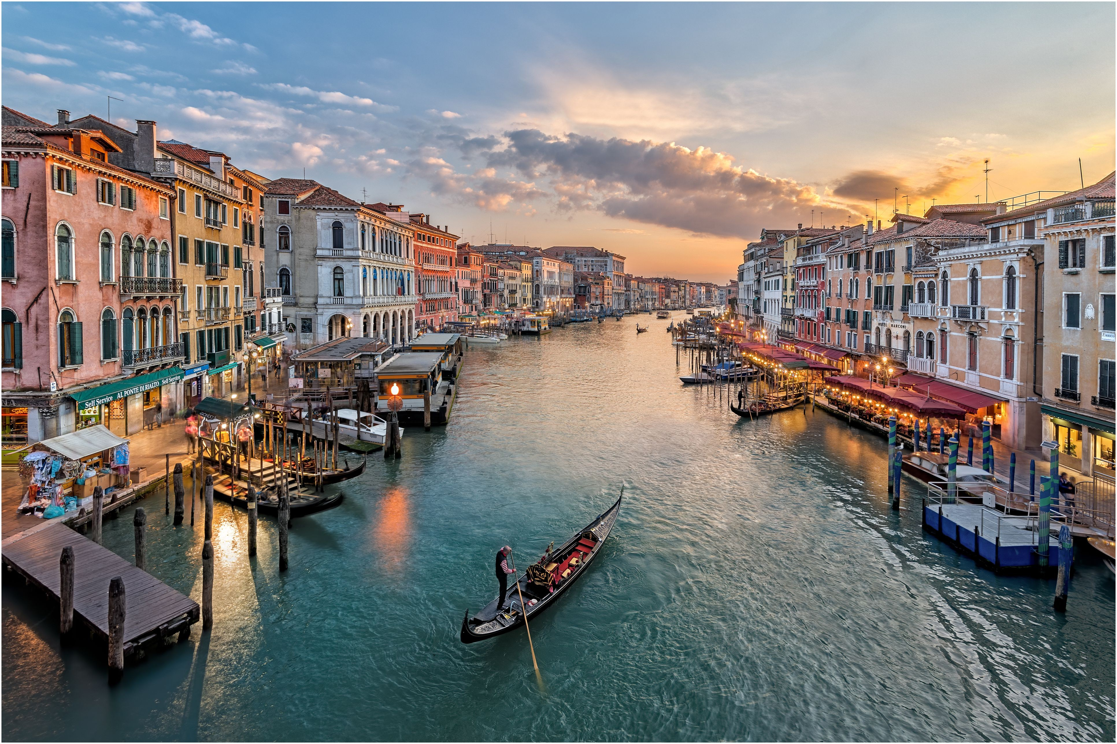 italy venice elevated view of canal in city b396e5a0011c9ef3e
