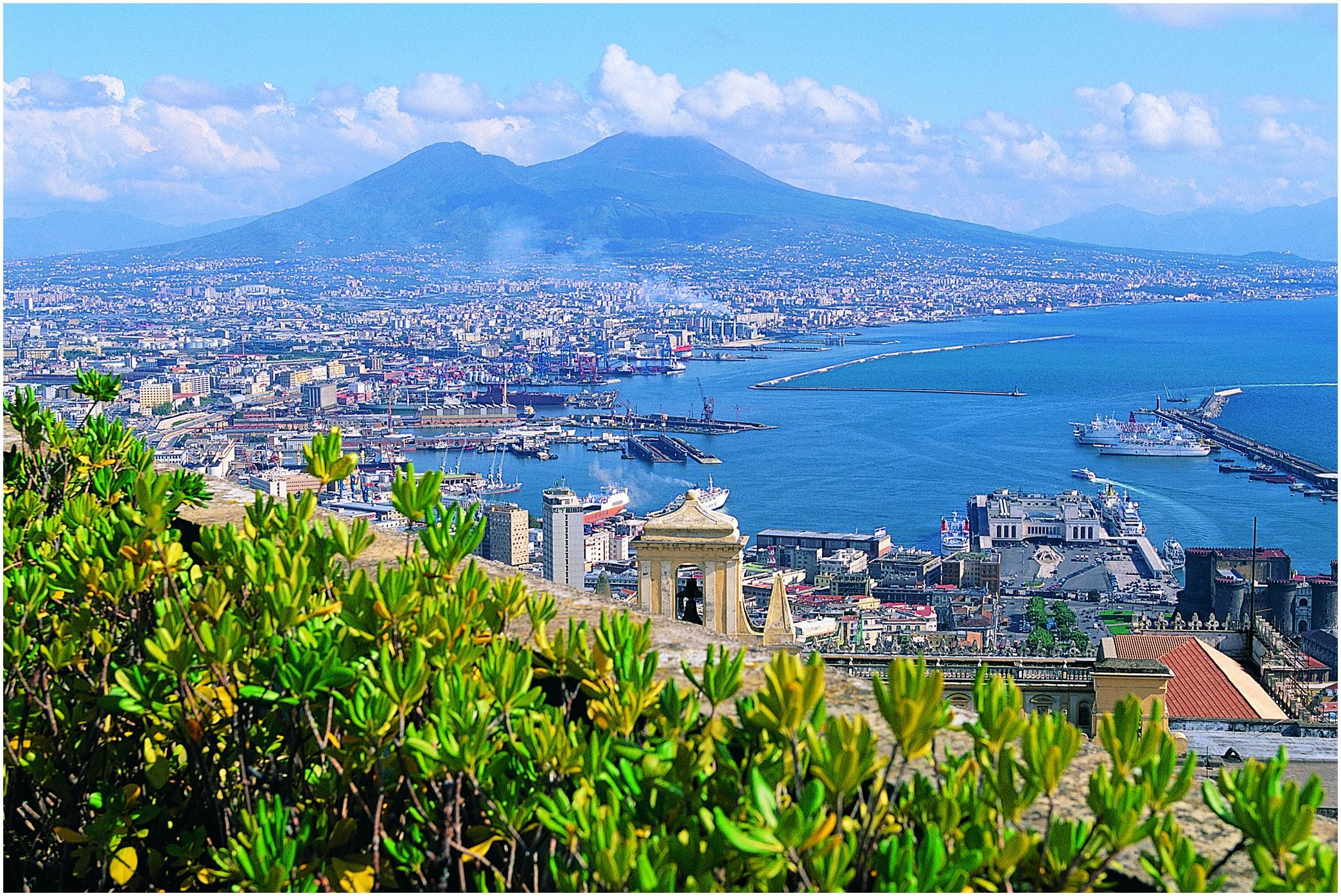 Beaches Nearest to Napoli Italy