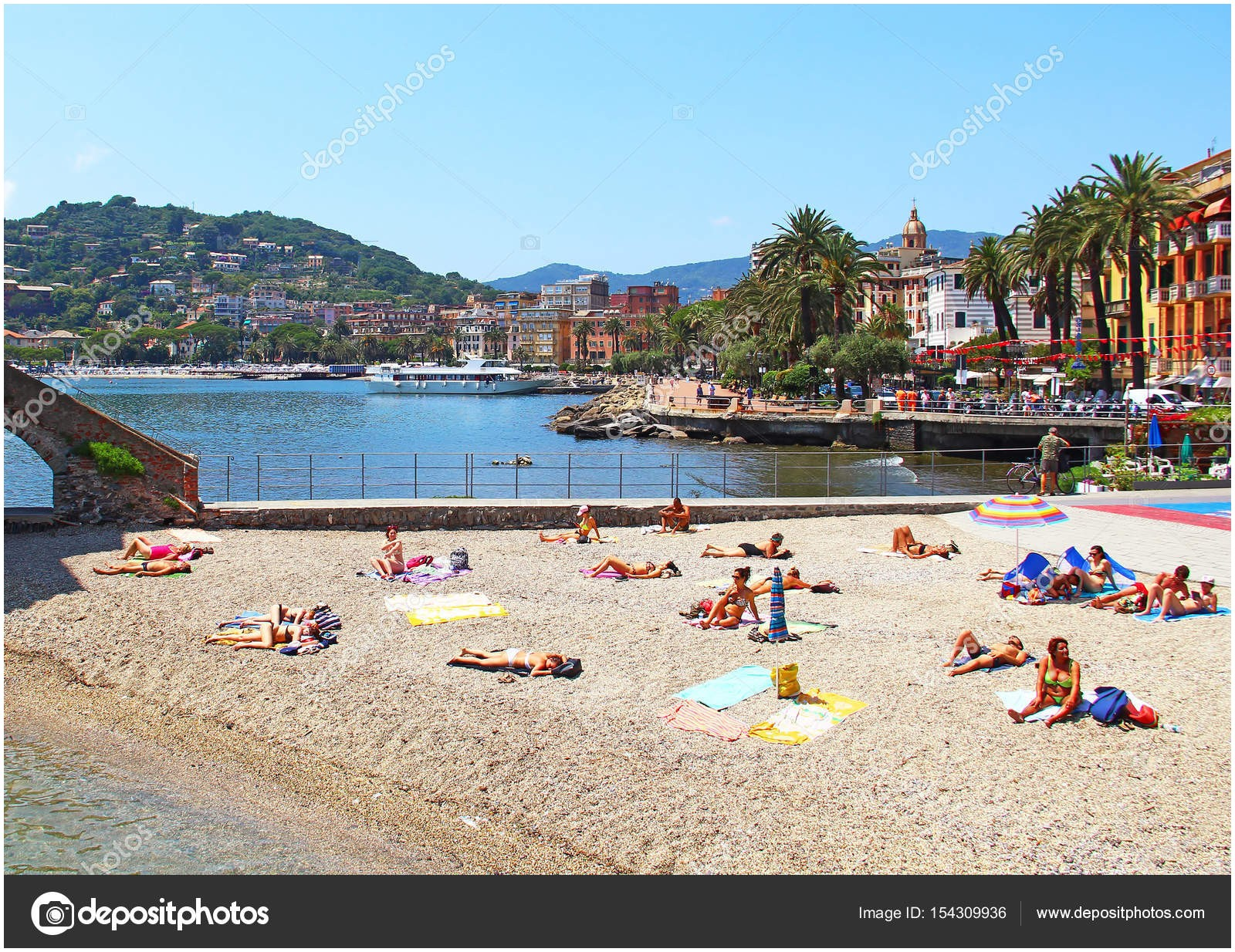 Beach In Rapallo Italy Awesome Beach In Rapallo Italy – Stock Editorial © Karnizz