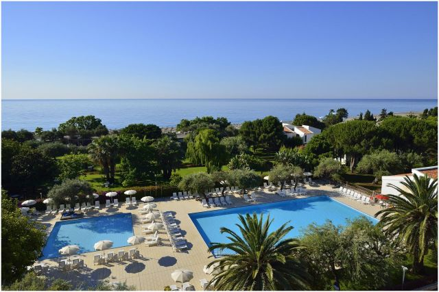 Beach Resorts Italy New Unahotels Naxos Beach Sicily Dive Resort