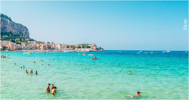 beaches and relaxation mondello beach